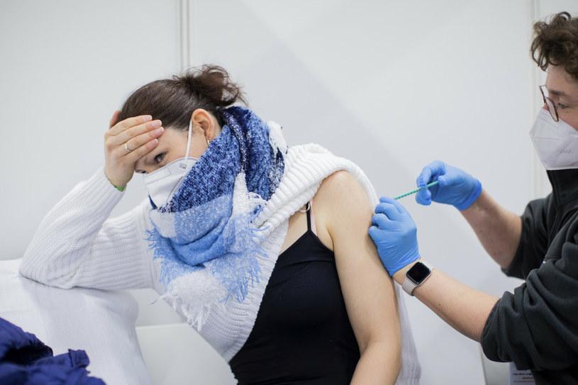 Spada liczba szczepień w Niemczech /dpa/Associated Press /East News
