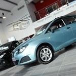 Spada sprzedaż samochodów. Polacy boją się przyszłości