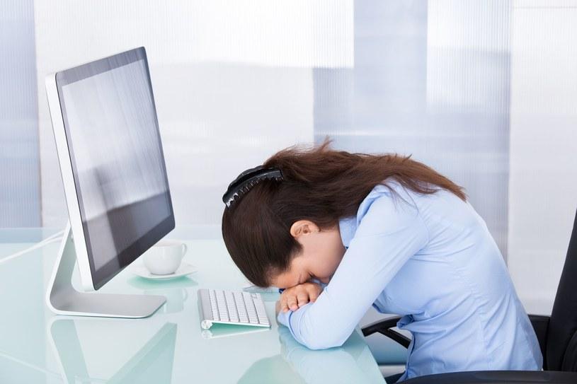 Spadek energii i zmęczenie są jednymi z pierwszych oznak ciąży /123RF/PICSEL