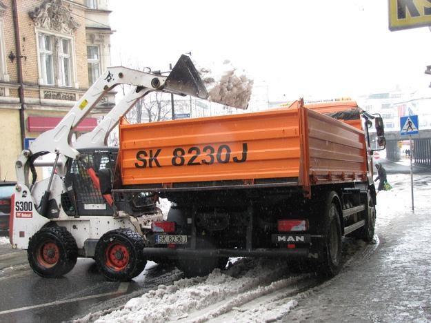 Spadł śnieg, opłat nie ma /RMF
