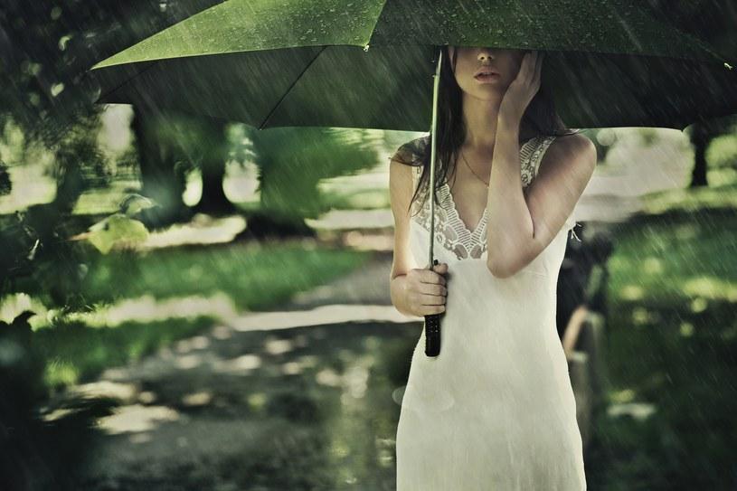 Spadnie sporo deszczu /123RF/PICSEL
