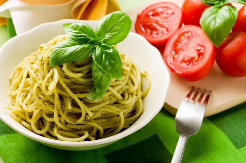 Spaghetti z pesto /123RF/PICSEL