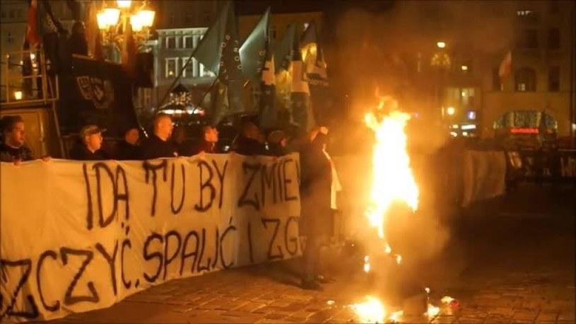 Spalenie kukły Żyda we Wrocławiu /TVN24