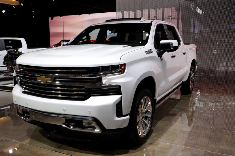 Spalinowy Chevrolet Silverado /Getty Images