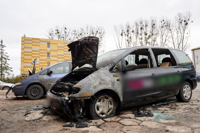 Spalone auta /PAP/Adam Warżawa    /PAP