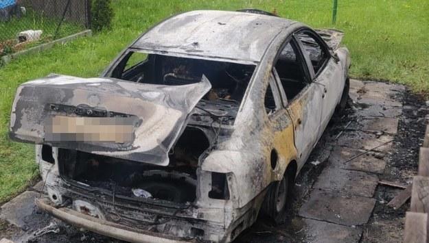 Spalone auto /Policja