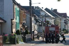 Spalone domy w Nowej Białej