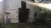 Spalone karty do głosowania i akta sądowe we wsi pod Warszawą
