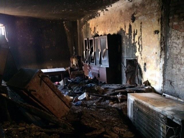 Spalone mieszkanie w kamienicy w Łodzi /Agnieszka Wyderka /RMF FM