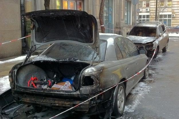 Spalone samochody. Luty 2012. Fot. Paweł Świąder /RMF