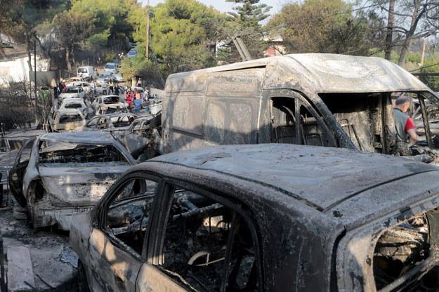 Spalone samochody na ulicach Mati /PANTELIS SAITAS /PAP/EPA