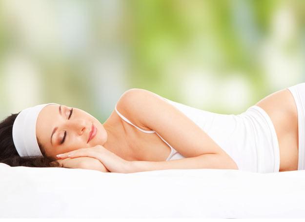 Specjaliści podkreślają, że niewystarczająca ilość snu może być sprzyjać otyłości /Picsel /123RF/PICSEL