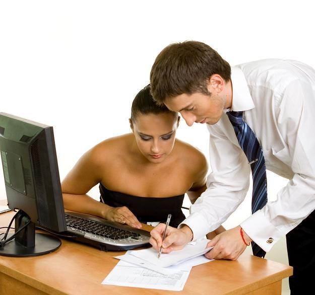 Specjaliści zajmujący się nowymi technologami raczej nie muszą martwić się o pracę /123RF/PICSEL