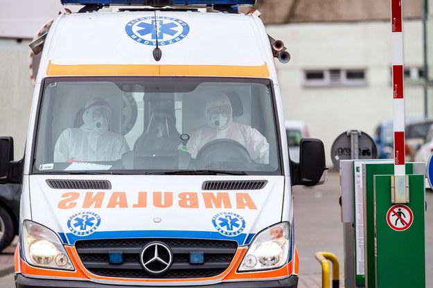 NFZ: Specjalna infolinia dla pracowników medycznych. Mogą zgłosić naruszenie procedur