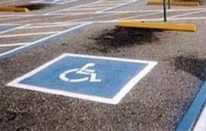 Specjalne karty parkingowe dla kierowców-inwalidów
