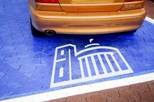 Specjalne miejsca do parkowania dla posłów. Kto jest za?
