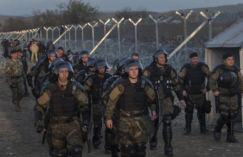 Specjalne siły policji na granicy z Grecją /PAP/EPA