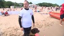 """Specjalnie szkolone psy pomagają ratować tonących. """"To bardzo wymagająca praca"""""""