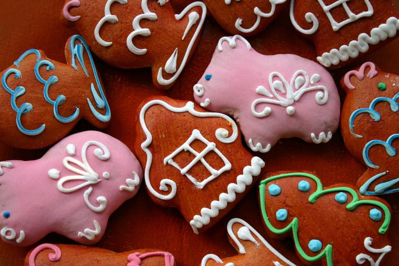 Specyfika ciasta piernikowego to sporo aromatycznych przypraw /123RF/PICSEL