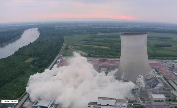 Spektakularne wysadzenie części zamkniętej elektrowni jądrowej [FILM]