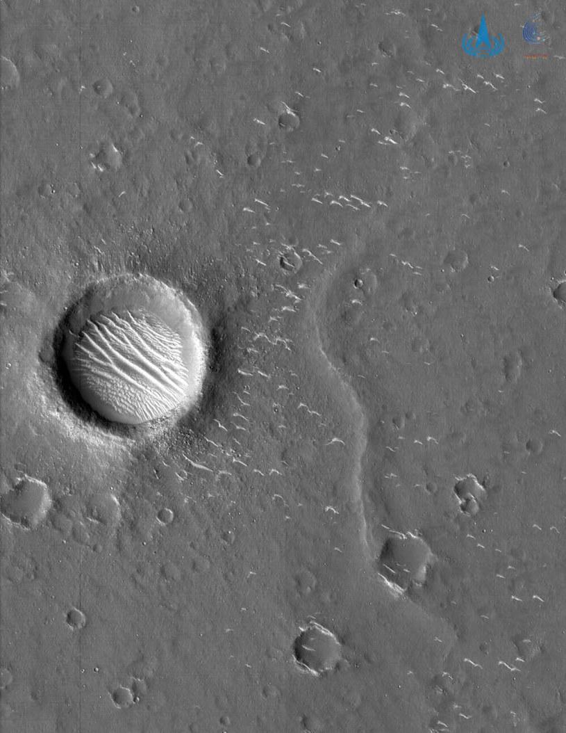 Spektakularne zdjęcie Marsa zrobione przez sondę Tianwen-1 /materiały prasowe