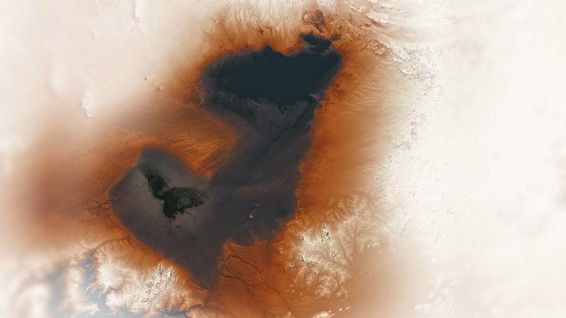 Spektakularne zdjęcie prezentujące jezioro Czad i pozostałości paleojeziora Mega-Czad /NASA