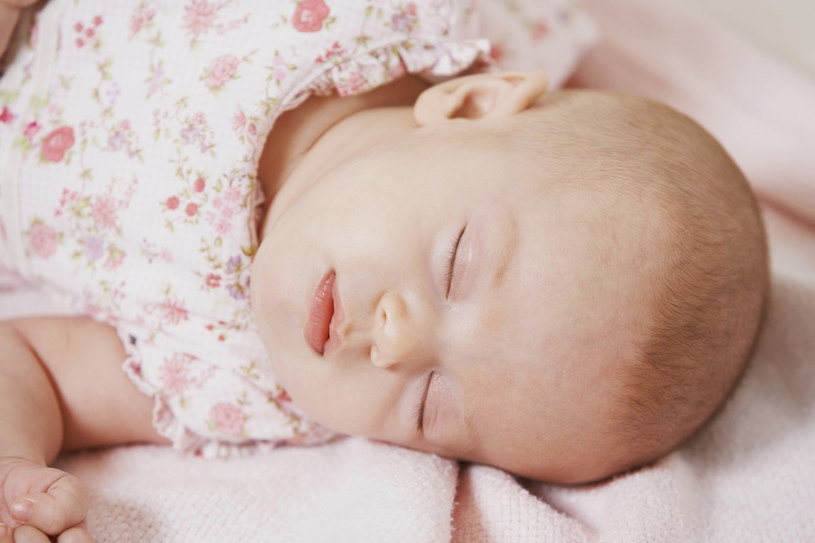 śpiące dziecko /© Photogenica