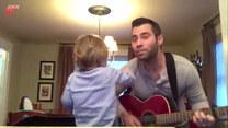 Śpiewał dla żony. Reakcja syna zaskakuje