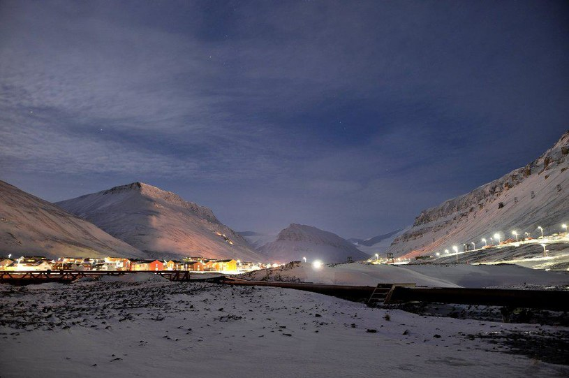 Spitsbergen w czasie nocy arktycznej /Karol Nowicki /Polska Zbrojna