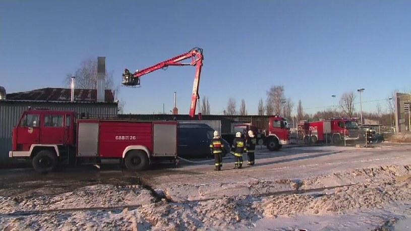Spłonęła hala przy złomowisku w podwarszawskich Markach /TVN24/x-news