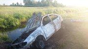 Spłonęło auto. Ciało kierowcy znaleziono w wodzie