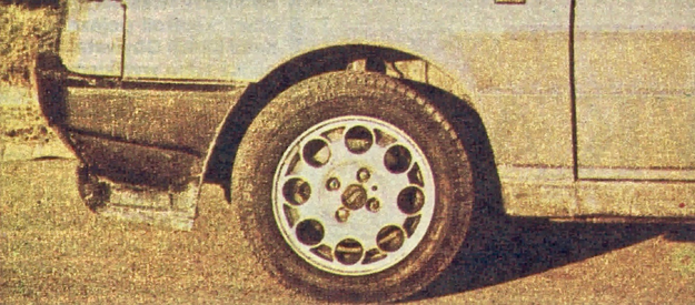 Spoiler przedni to dziś standardowy element w koncepcji nadwozia, zresztą nie tylko w pojazdach o sportowej charakterystyce. /Fiat