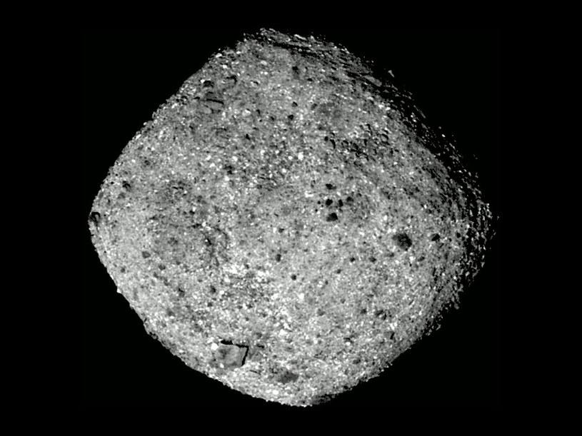 Spojrzenie na planetoidę Bennu z odległości około 80 km /materiały prasowe