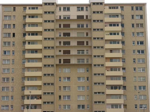 Spółdzielnie muszą odsprzedawać najemcom dawne mieszkania zakładowe za półdarmo /© Panthermedia