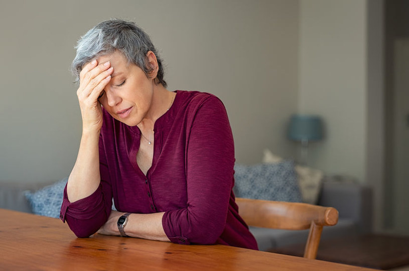 Społeczna izolacja może prowadzić do depresji /123RF/PICSEL