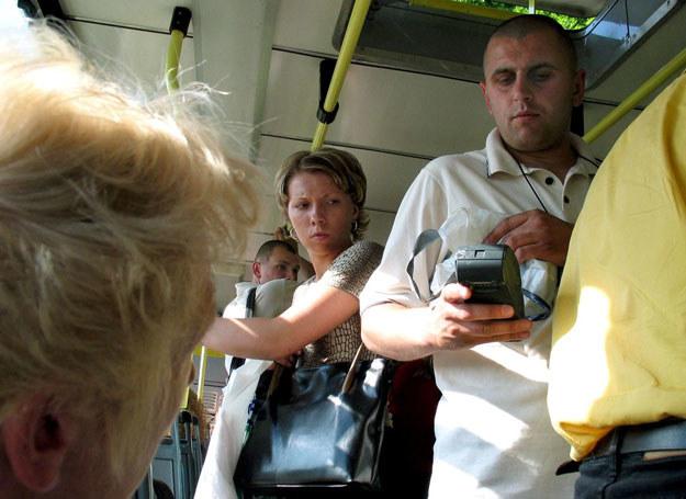 Społeczny wizerunek kontrolera biletów nigdy nie był zbyt dobry.  /fot. Adam Tuchliński /Reporter