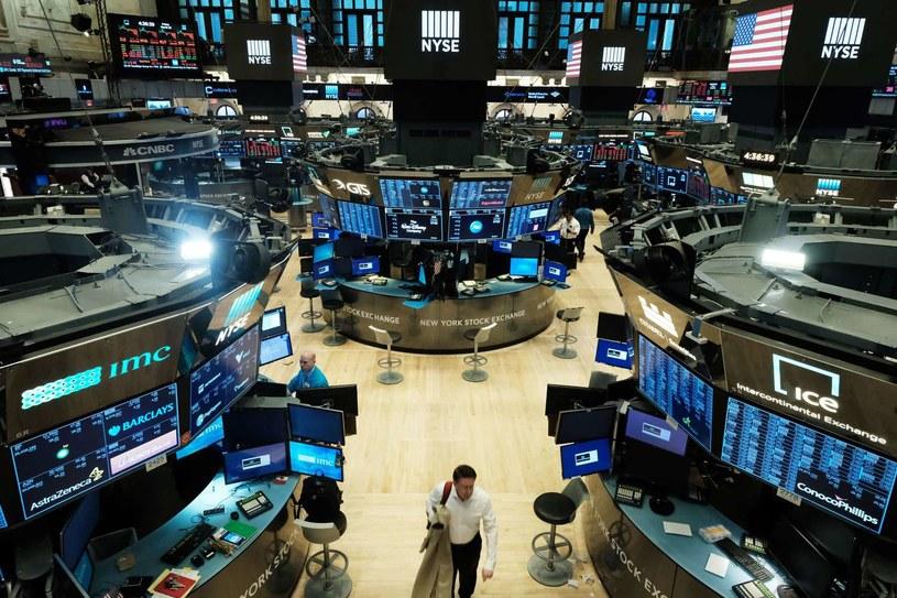 Spółki technologiczne pociągnęły Wall Street w dół /AFP