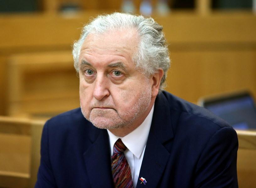 Spór dotyczący Trybunału Konstytucyjnego ma jedną twarz: prezesa Trybunału Andrzeja Rzeplińskiego - przekonują posłowie PiS /Rafał Guz /PAP