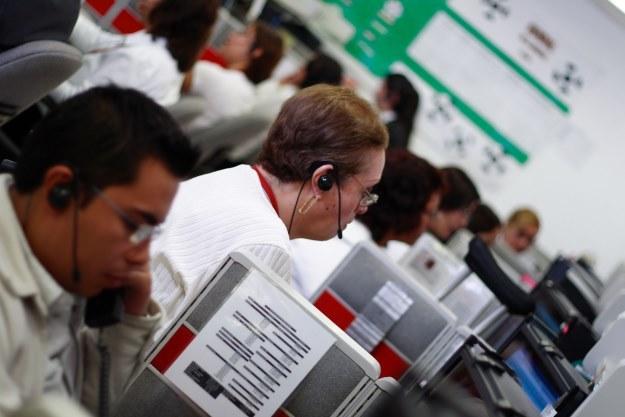 Sporo osób nie przepada za rozmową z pracownikami call center. Czy nowe rozwiązania technologiczne będą pomocne?  fot. Carlos Chavez /123RF/PICSEL