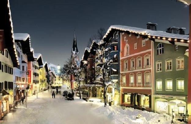 Sporo wydasz w najpopularniejszym austriackim kurorcie narciarskim Kitzbuhel . Fot. Markus Mitterer /Informacja prasowa