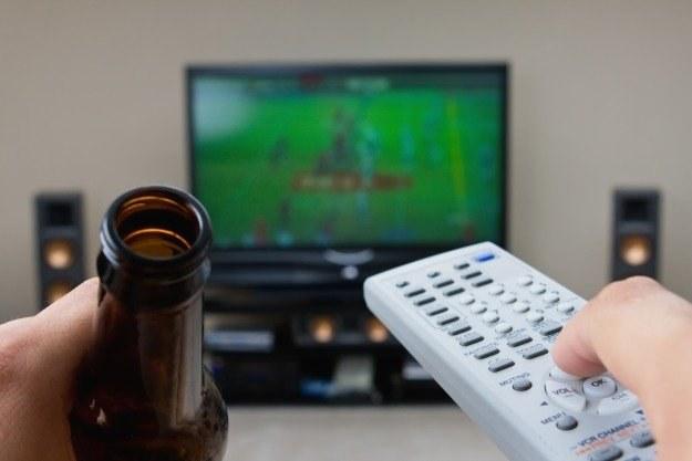 Sport i filmy przyciągają przed telewizory najwięcej widzów /stock.xchng