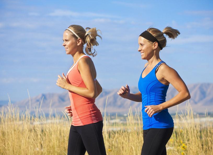 Sport jest zdrowy, ale gdy uprawiasz go z głową /123RF/PICSEL