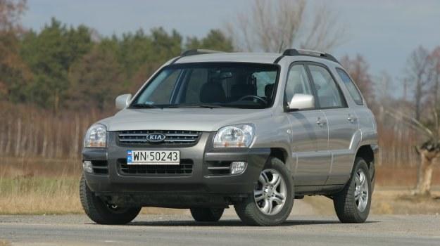 Sportage II nie jest alternatywą dla auta typu kombi. To raczej ucywilizowana terenówka. /Motor