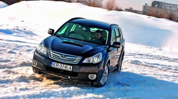 Spory prześwit i stały napęd AWD: Outback dorównuje wielu typowym SUV-om. /Subaru