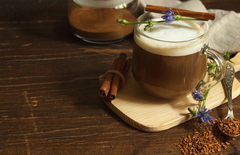 Sposób na kawę z cykorii /©123RF/PICSEL