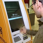 Sposób na kryzys finansowy: W centrum handlowym w Buenos Aires pojawił się bankomat z bitcoinami