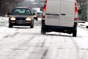 Sposób poruszania się kierowców po drogach w warunkach zimowych