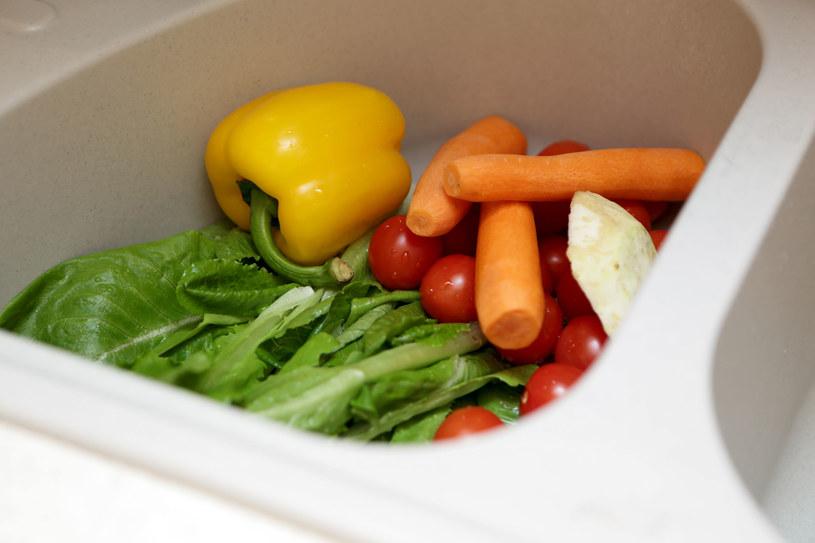 Sposób, w jaki myjesz warzywa, ma duże znaczenie /123RF/PICSEL