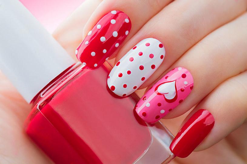 Sposobów na paznokcie jest dużo /©123RF/PICSEL