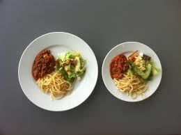 Sposoby na ograniczenie kalorii /© Photogenica